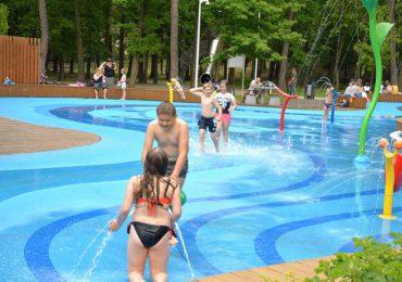 Stalowa Wola: W Dzień Dziecka otwarty został wodny park w parku miejskim