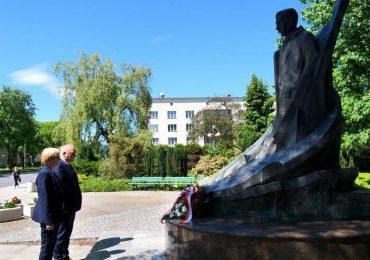 Stalowa Wola: 82 rocznica poświęcenia Zakładów Południowych i miasta.