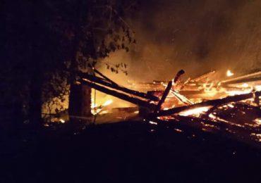 Ropczyce: Pożar zabudowań w Brzezinach.