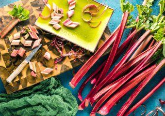 Porady: Właściwości zdrowotne oraz wartości odżywcze rabarbaru