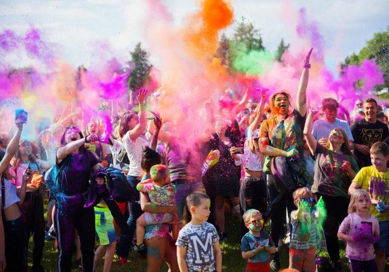 Rzeszów: Fotorelacja z imprezy Holi Święto Kolorów [fotorelacja]