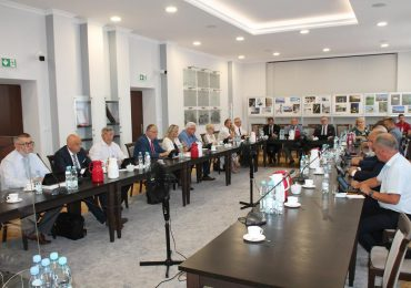 Jarosław: Uchwalone absolutorium i wotum zaufania dla Starosty i Zarządu Powiatu Jarosławskiego