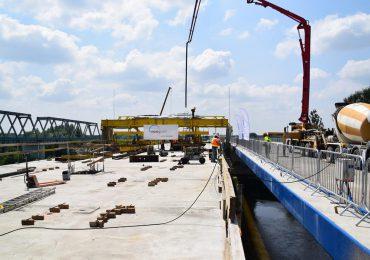 Podróże: Brzegi rzeki San połączone dwiema nitkami mostu powstającego w ramach budowy S19 [fotogaleria]