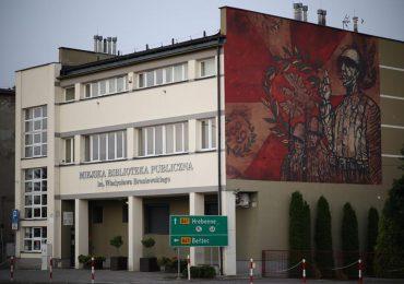 Lubaczów: Nowy mural na ścianie Biblioteki Miejskiej