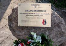 Stalowa Wola: Obelisk i gablota z pamiątkami poświęcone Sebastianowi Marczewskiemu