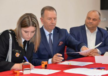 Ropczyce: Podpisano umowy do programu OSP ,,Mały strażak''