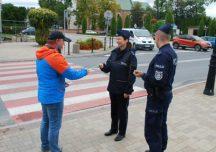 Ropczyce: Policja zachęca do noszenia odblasków